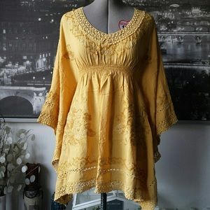 Absolutely gorgeous yellow embroidered top